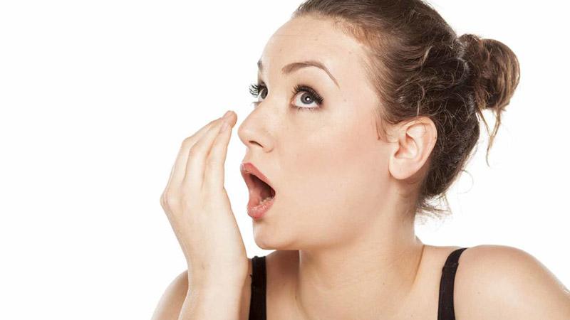 Как убрать запах изо рта с похмелья